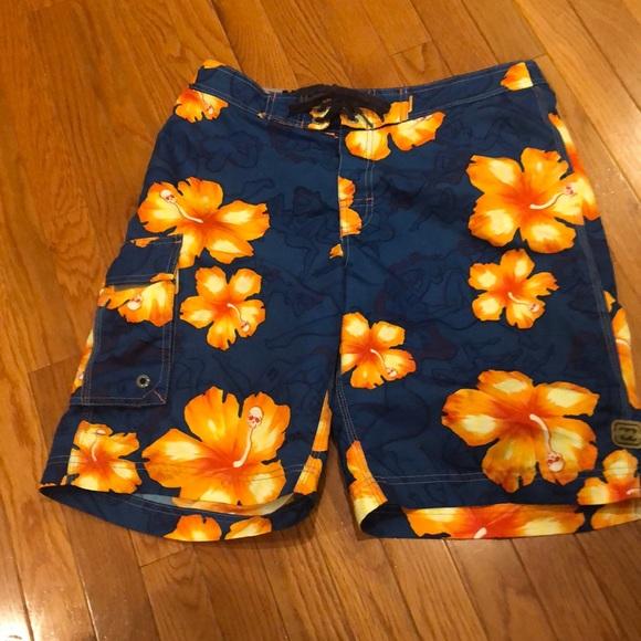 Billabong size 32 Men's Board-shorts w/Leg Pocket
